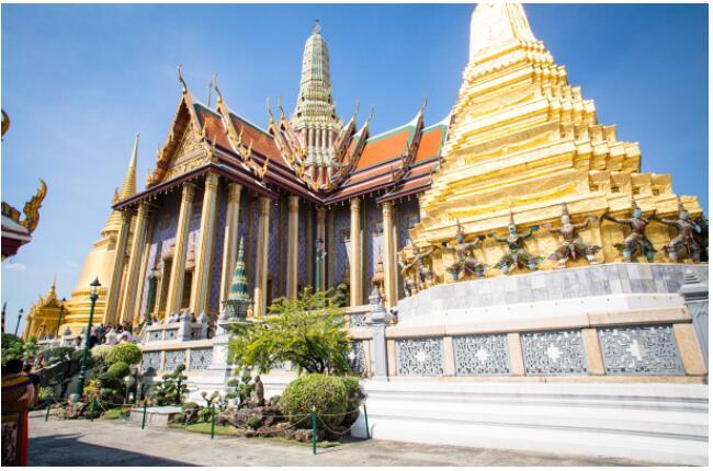 FLIGHTS, ACCOMMODATION AND MOVEMENT IN BANGKOK